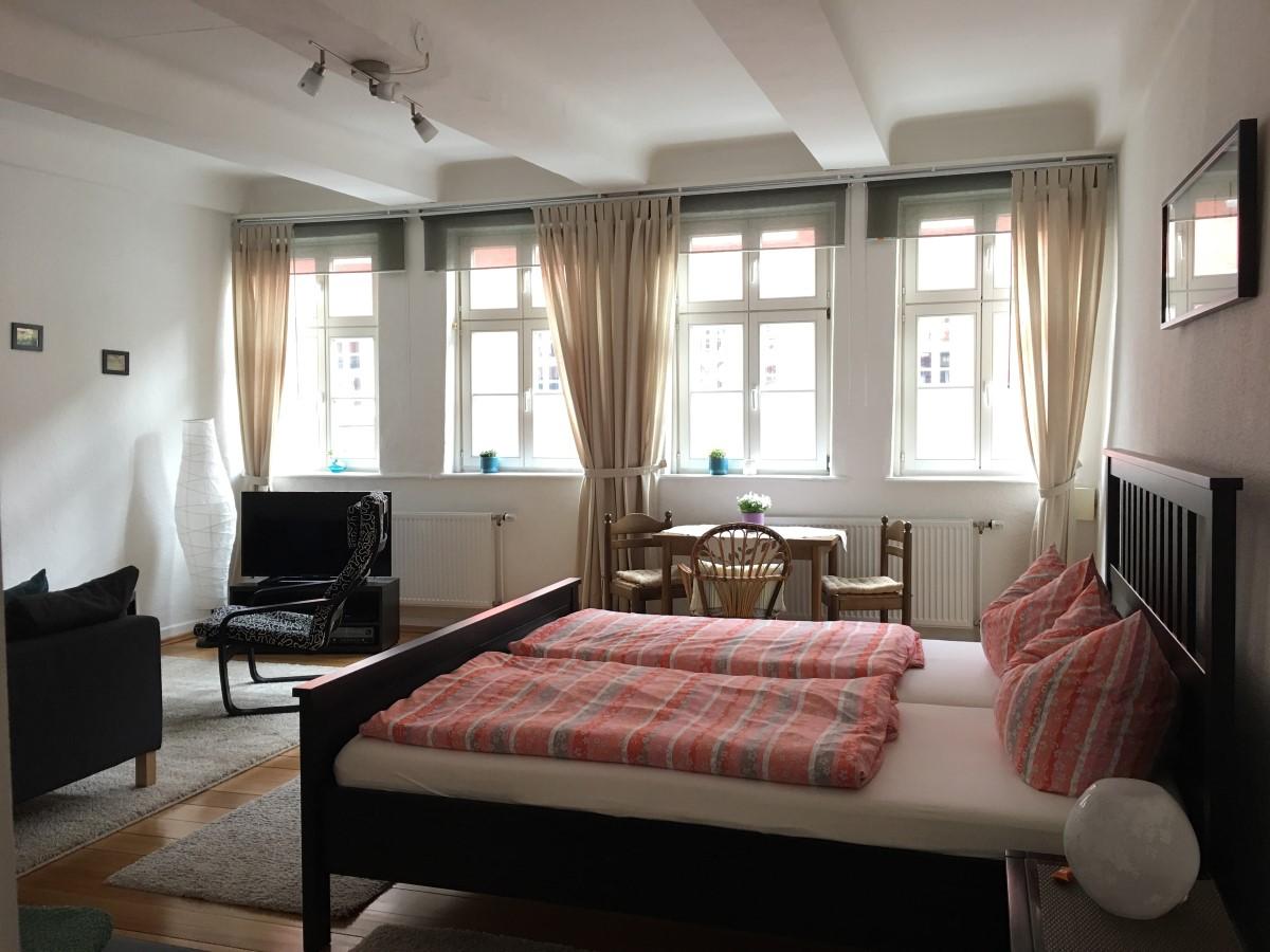 alte diele. Black Bedroom Furniture Sets. Home Design Ideas